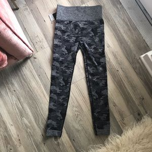 Pants - NWT Small Grey Camo Stretch Yoga Leggings